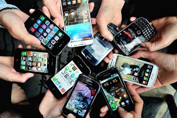 বিশ্বে যে ১০টি স্মার্টফোন বেশি বিক্রি হয়