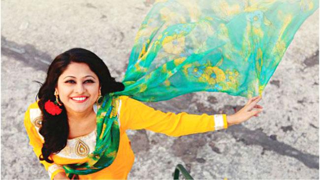 অভিনয়ের আঠারো বছর পার করছেন সুমাইয়া শিমু