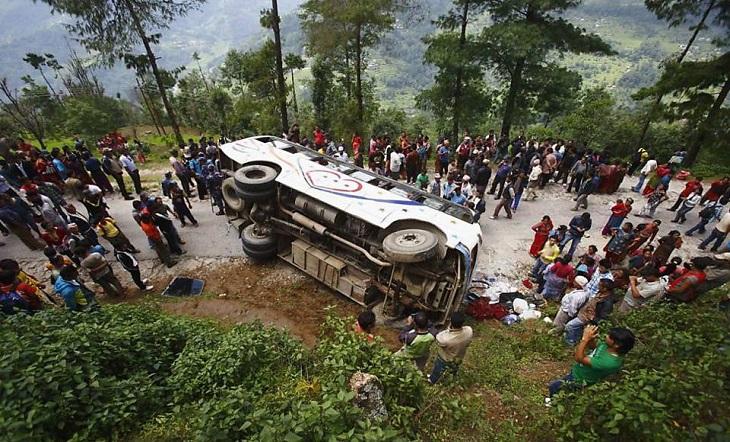 ভারতের উত্তর প্রদেশে সড়ক দুর্ঘটনায় ১০ জন নিহত