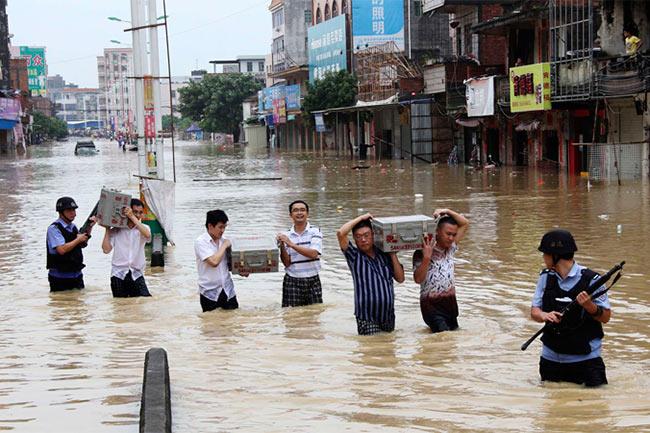 চীনে ভারি বৃষ্টিপাতের পর বন্যায় ১৫ জনের মৃত্যু