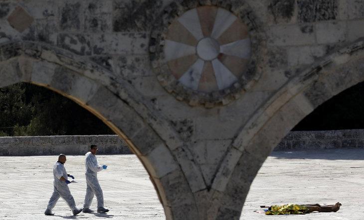 জেরুজালেমের স্পর্শকাতর পবিত্র স্থান খুলে দিচ্ছে ইসরাইল
