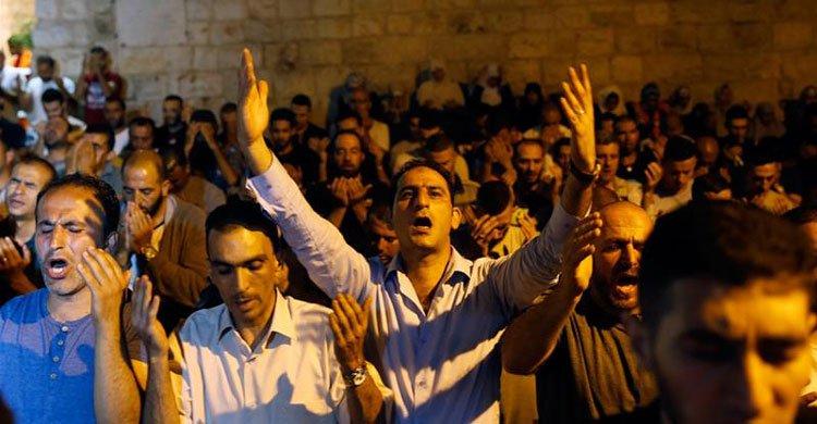 আল আকসা মসজিদে ৫০ বছরের কম বয়সীদের ঢুকতে মানা