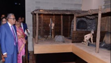 কাজাখস্তান জাতীয় জাদুঘর পরিদর্শন করলেন রাষ্ট্রপতি