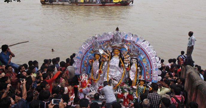 আজ প্রতিমা বিসর্জনের মধ্য দিয়ে শেষ হচ্ছে শারদীয় দুর্গোৎসব