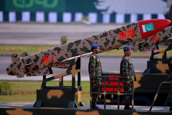 ক্রুজ ক্ষেপণাস্ত্রের পরীক্ষা চালাল পাকিস্তান