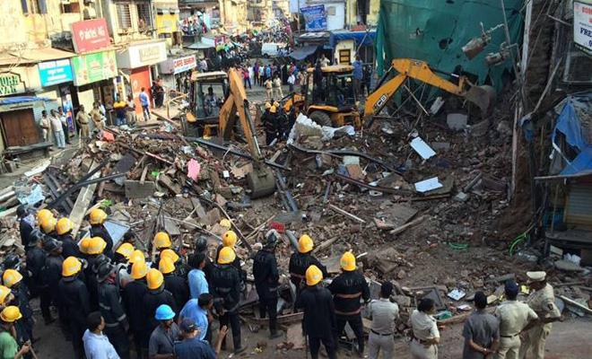 ভারতের  ভবন ধসে ৮ জন নিহত