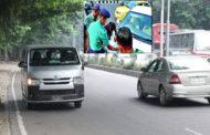 উল্টোপথে যানবাহন চলাচল রোধে কঠোর অবস্থানে ডিএমপি