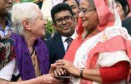 ব্রিটিশ নারী লুসি হেলেনের সহায়তায় এগিয়ে এলেন প্রধানমন্ত্রী