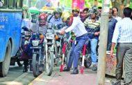 রাজধানীতে বেপরোয়া মোটর সাইকেল: ১২৪৩ মোটরবাইকের বিরুদ্ধে ব্যবস্থা