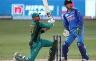 পাকিস্তানের বিপক্ষে ২৩৮ রানের টার্গেটে ব্যাট করছে ভারত