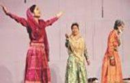যাত্রাপালা 'বিয়াল্লিশের বিপ্লব': মঞ্চস্থ করলো উদীচী