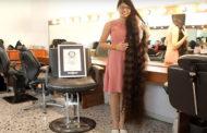 লম্বা চুলের বিশ্ব রেকর্ড ১৬ বছরের কিশোরীর!