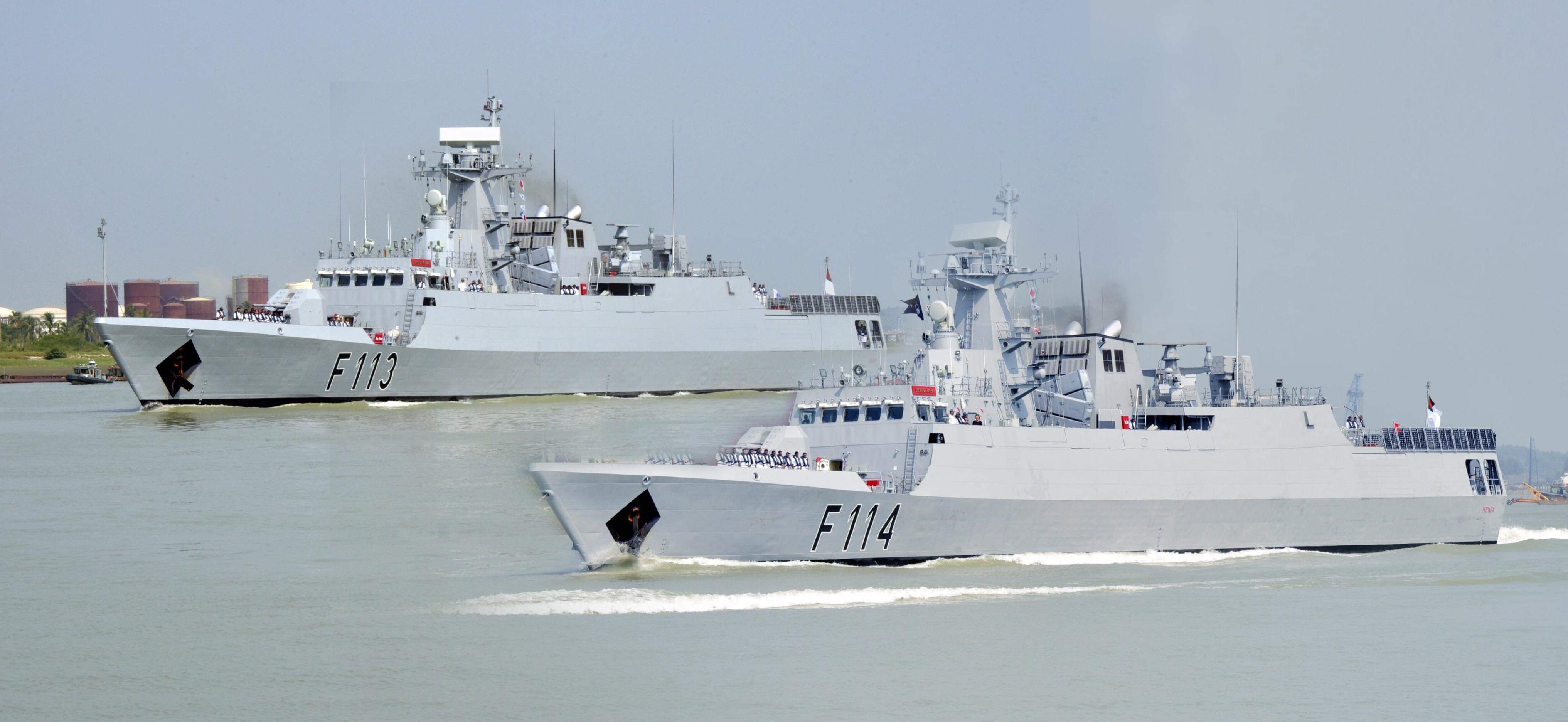 নৌবাহিনীতে দুটি যুদ্ধজাহাজ 'সংগ্রাম' ও 'প্রত্যাশা'
