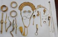 বংশালে কসাইটুলি লেনে স্বর্ণালংকার চুরি: স্বর্ণালংকার উদ্ধারসহ গ্রেফতার দুই
