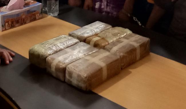 নয়া রুটে ইয়াবা বহন: ৬০ হাজার ইয়াবাসহ ৩ মাদক ব্যবসায়ী গ্রেফতার