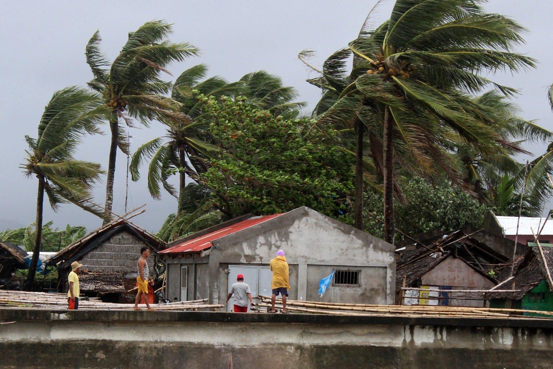 টাইফুন কাম্মুরি আঘাত হেনেছে ফিলিপাইনে