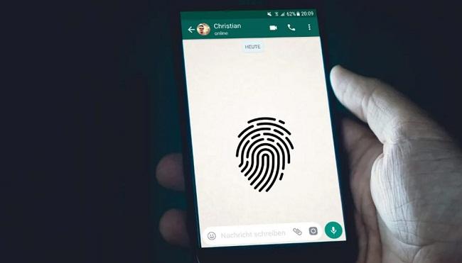 WhatsApp চ্যাট গোপন রাখতে Android ফোনে ফিঙ্গারপ্রিন্ট লক