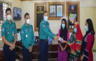 করোনাযুদ্ধে শহীদদুই পুলিশ সদস্যের পরিবারকে আর্থিক অনুদান দিলেন ডিএমপি কমিশনার