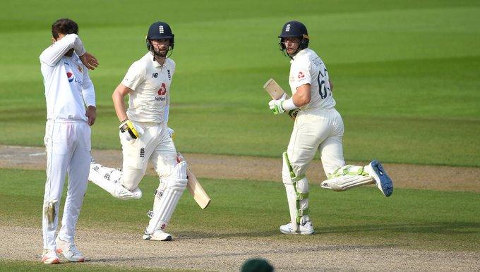 সিরিজের প্রথম টেস্টে ৩ উইকেটে জয় পেয়েছে ইংল্যান্ড