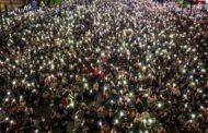 জরুরি অবস্থা উপেক্ষা করে বিক্ষোভে উত্তাল থাইল্যান্ড