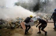 জান্তা সরকারের বিরুদ্ধে সশস্ত্র প্রতিরোধ শুরু করেছে গণতন্ত্রপন্থীরা